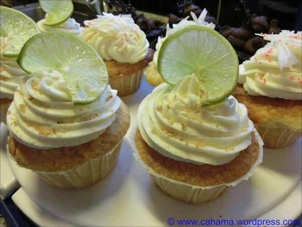comp_CR_CIMG1195_Key_Lime_Coconut_Cupcakes