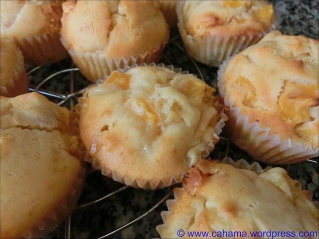 comp_CR_CIMG0754_WeißeSchoko_Pfirsisch_Muffins