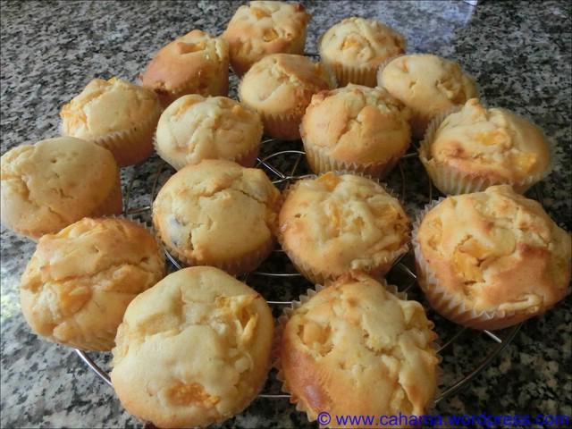 comp_CR_CIMG0759_WeißeSchoko_Pfirsisch_Muffins
