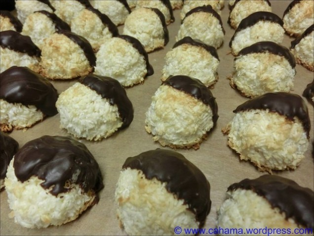 comp_CR_CIMG7868_Tres_Leches_Coconut_Macaroons