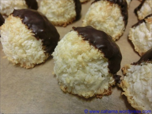 comp_CR_CIMG7871_Tres_Leches_Coconut_Macaroons