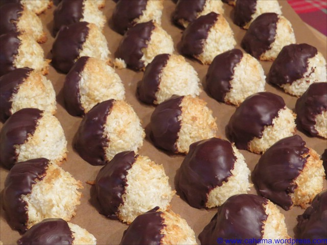 comp_CR_IMG_1666_Tres_Leches_Coconut_Macaroons