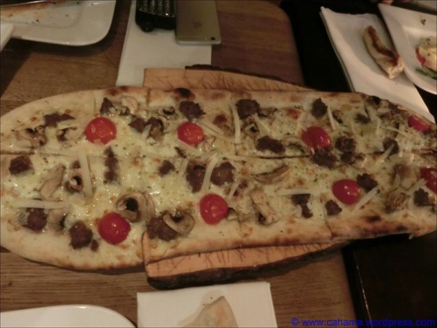 comp_CR_CIMG3385_Wü15_Pizza_Wildschweinbratwurst