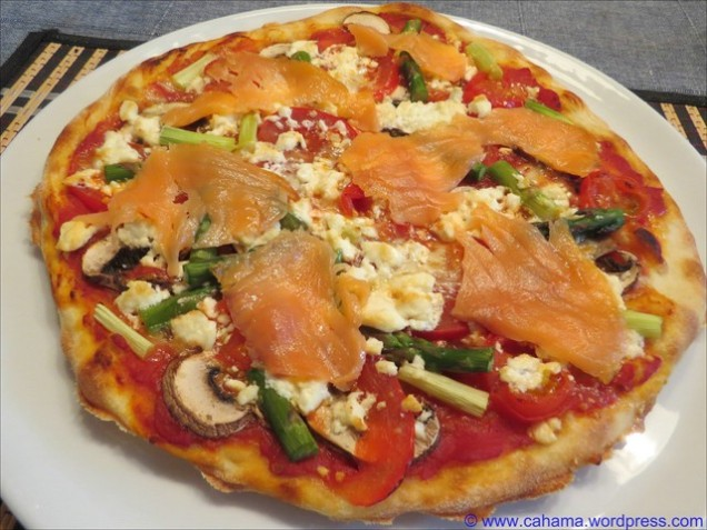 comp_CR_IMG_9487_Spargelpizza_mit_Lachs