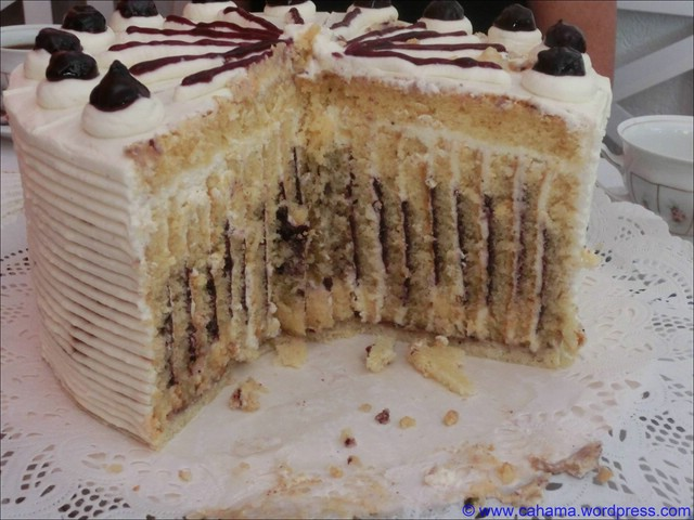comp_cr_cimg0233_heidelbeer_wickel_torte